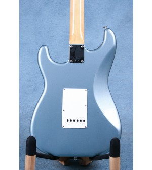 Fender Vintera '60s Stratocaster Ice Blue Metallic Electric Guitar (B-STOCK) - MX19022903B