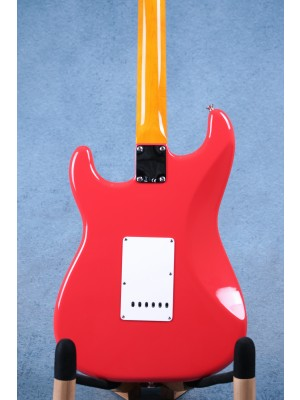 Fender Classic Series '60s Stratocaster Lacquer Fiesta Red Electric Guitar - MX19011048
