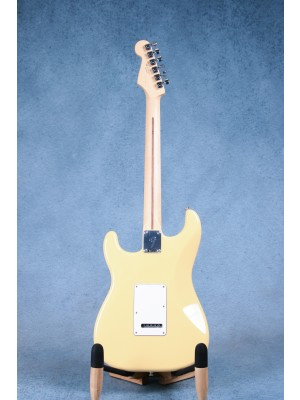 Fender Player Series Stratocaster Buttercream Electric Guitar - MX19033665