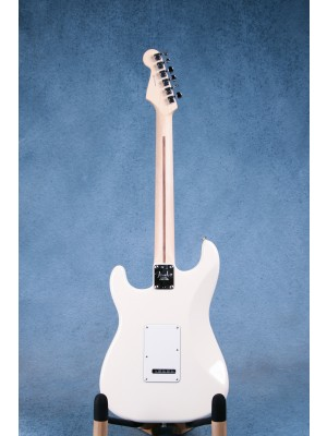 Fender American Professional Stratocaster Olympic White Electric Guitar - US19019765