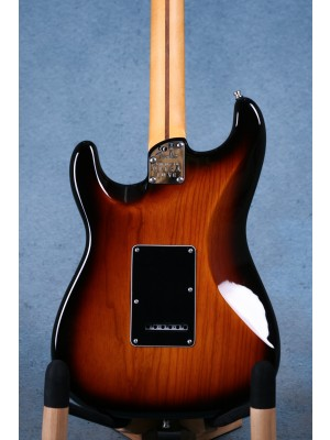Fender American Ultra Luxe Stratocaster Rosewood 2 Tone Sunburst Electric Guitar - US210046548