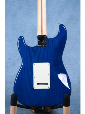 Fender Deluxe Stratocaster Sapphire Blue Transparent Electric Guitar (B-STOCK) - MX16811362AB