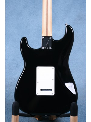 Fender Player Stratocaster Black Electric Guitar (B-STOCK) - MX19004806B