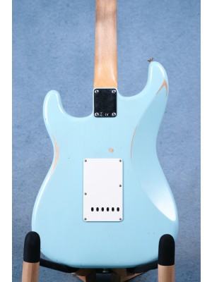 Fender Limited Edition Road Worn 60's Stratocaster Daphne Blue Electric Guitar - MX20102995