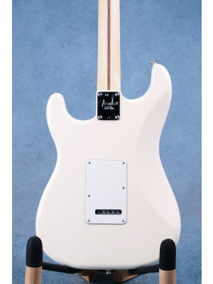 Fender American Professional Stratocaster Olympic White Electric Guitar - US19052650